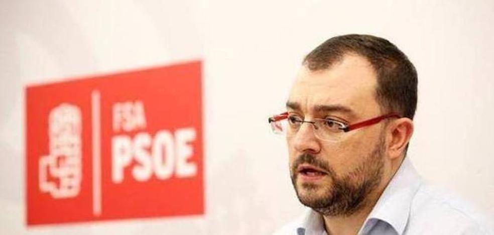 Barbón apoya la moción de Laviana a favor de la oficialidad del asturiano