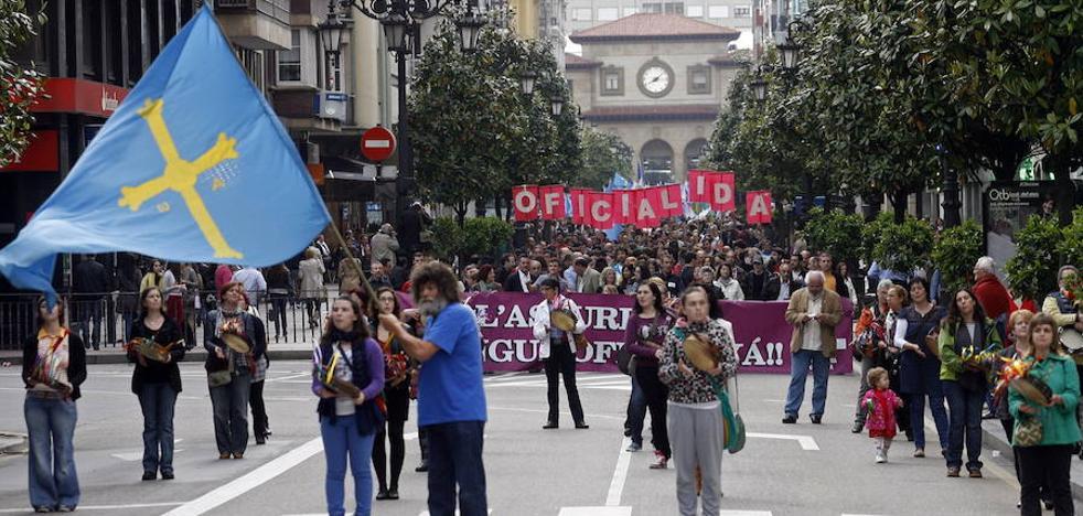 IU tiende la mano a Foro para avanzar en la oficialidad del asturiano