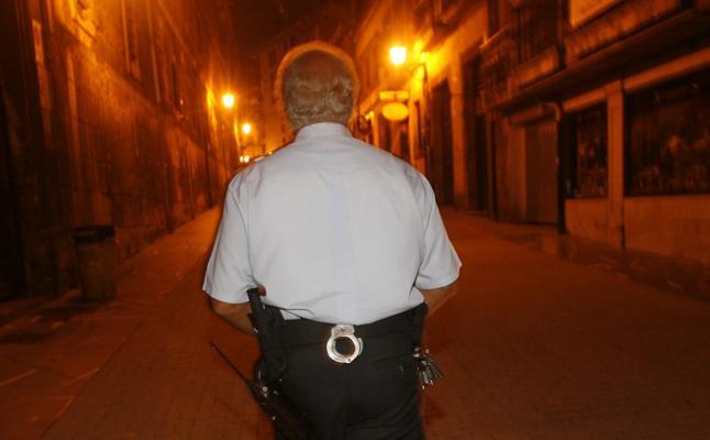 El Ayuntamiento de Oviedo y los comercios contratarán serenos a finales de este año
