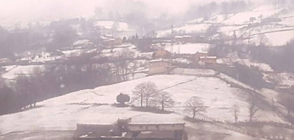 IU denuncia que la nieve está causando daños en las tolvas de carbón de Pola de Laviana