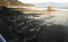 Hallan el cuerpo de un hombre entre unas rocas en la playa del Aguilar, en Muros de Nalón