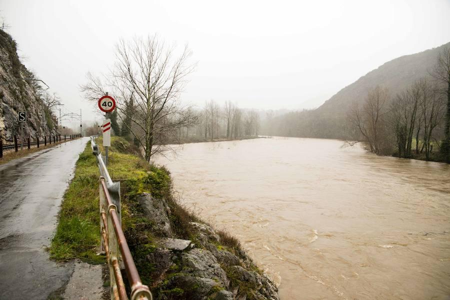 Crecidas e inundaciones por las intensas lluvias