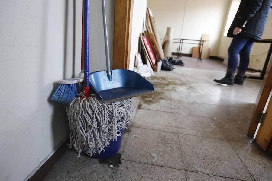 El grave deterioro en la Casa Sindical de Gijón