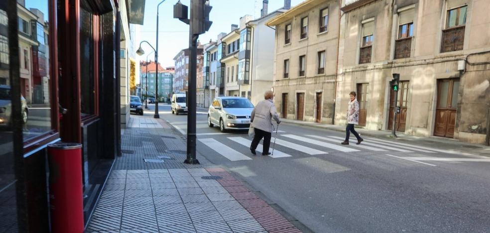 El Plan de Movilidad buscará mejorar el aparcamiento pero rechaza la ORA