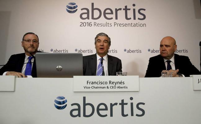 Las cúpulas del IBEX tardarán 47 años en alcanzar la paridad