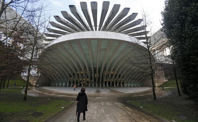 El Ayuntamiento de Oviedo recortará dos de cada tres euros de inversión para pagar el Calatrava