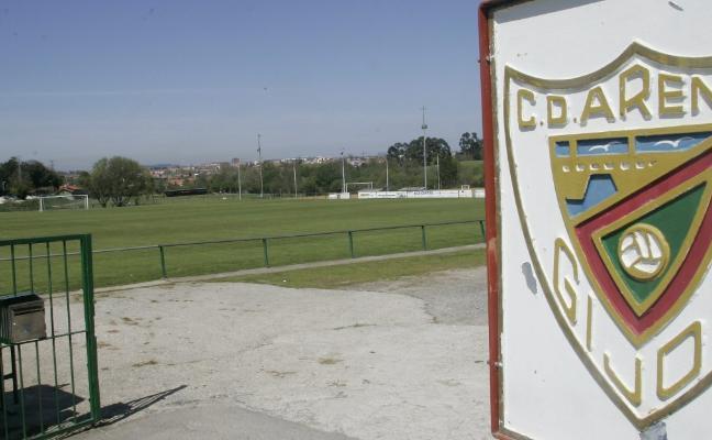 Deportes cierra con el fútbol base un acuerdo para los campos municipales