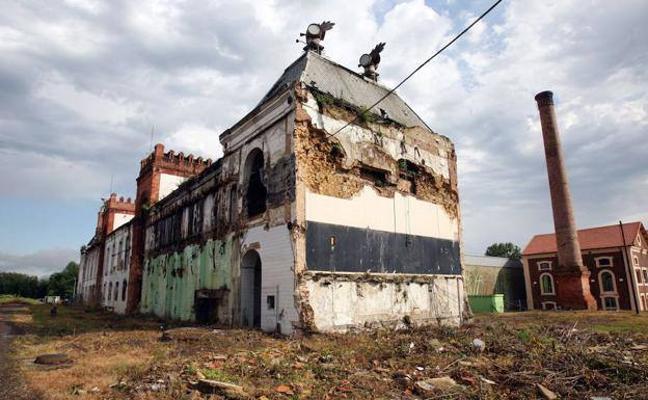 La Fiscalía acusa a los dueños del edificio El Águila Negra de un delito contra el patrimonio histórico