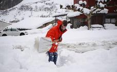 El Principado, de nuevo en alerta por nevadas y oleaje
