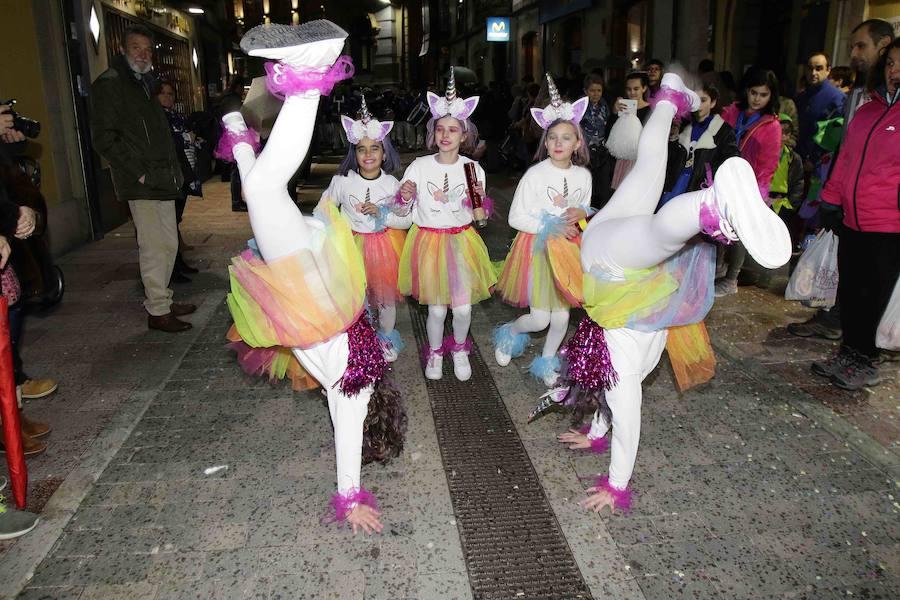 Despliegue de originalidad en el carnaval de Llanes