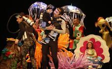 El desfile infantil del Antroxu gijonés ilumina el Jovellanos