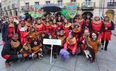 Carnaval de Avilés   Los escolinos logran vencer a la lluvia