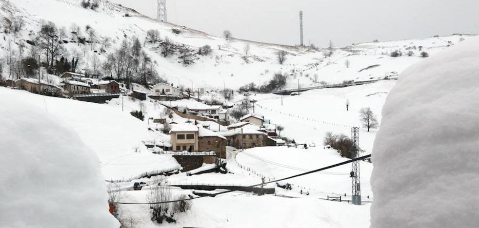Restablecido tras seis días el tráfico ferroviario entre Asturias y León