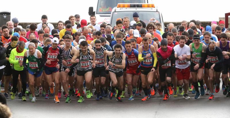 Más de un centenar de atletas en la carrera de San Valentín de Tazones