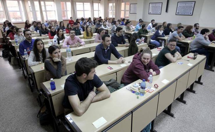 Más de 1.600 médicos se presentaron al examen MIR en Oviedo