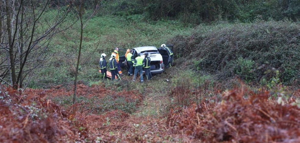 Herido tras caer con su coche por un terraplén en La Plata