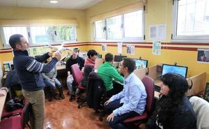 Sariego quiere empleo para sus jóvenes