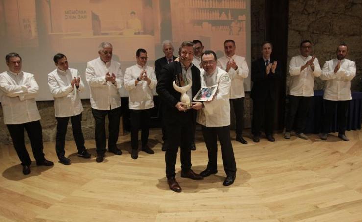 Joan Roca recibe el premio de Fomento de la Cocina Asturiana