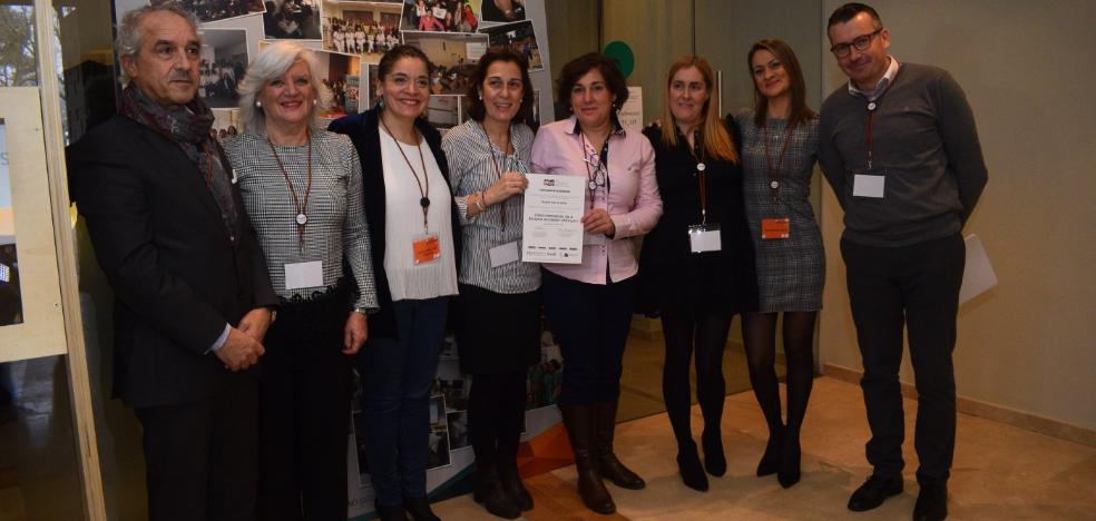 El Hospital Valle del Nalón recoge en Madrid la distinción a la excelencia en los cuidados