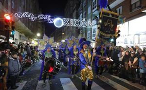 Desfile de antroxu en Gijón | A bordo de la máquina del tiempo