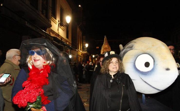 Avilés entierra el carnaval