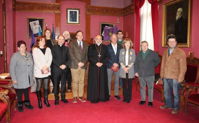 La Corporación maliaya recibe al arzobispo