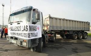 La plantilla de Astur Leonesa se concentra en Oviedo para reclamar sus nóminas