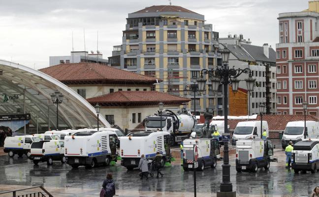 El Ayuntamiento de Oviedo renueva 17 máquinas de limpieza y 3 automóviles, uno eléctrico y dos híbridos