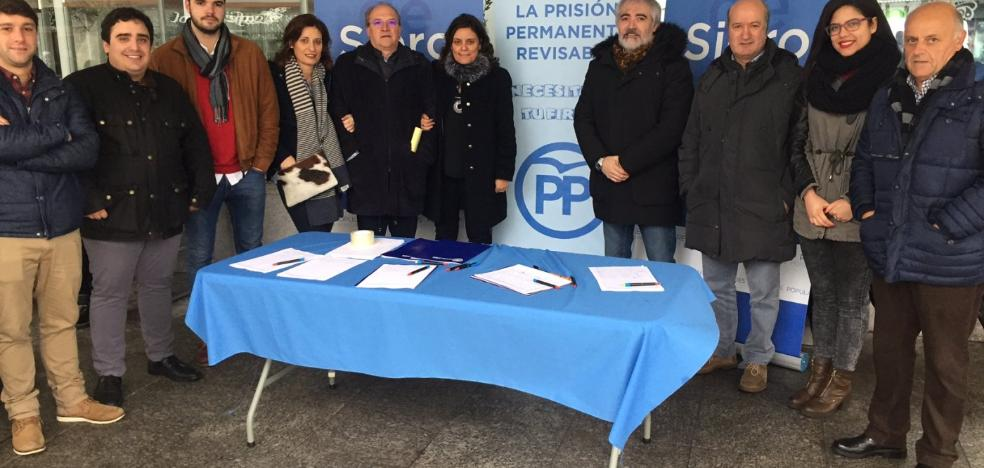 El PP reúne 400 firmas por la prisión revisable