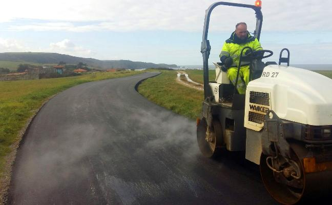 Gozón acondiciona ocho caminos rurales con 102.725 euros