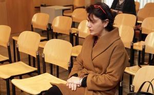 La acusada de fraccionar un contrato alega que «nadie dijo que fuera ilegal»