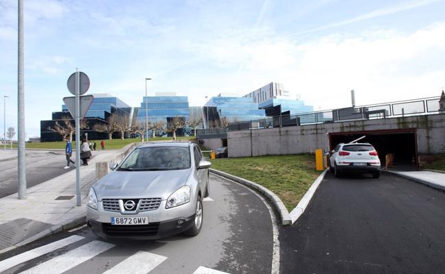 El HUCA abre el nuevo acceso al aparcamiento de Consultas Externas