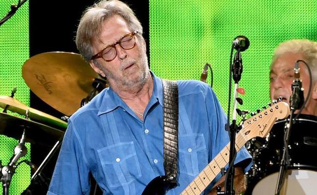 Una guitarra de Eric Clapton con una quemadura de cigarrillo, a subasta por más de 11.000 euros