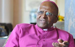 El Nobel de la Paz Desmond Tutu anuncia su dimisión como embajador de Oxfam