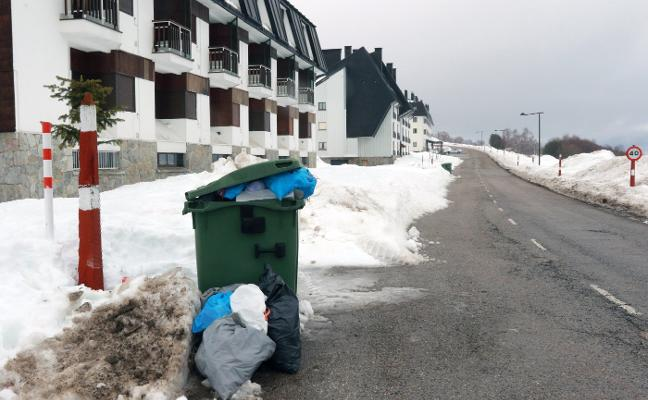 Diez días sin recoger la basura en El Brañillín