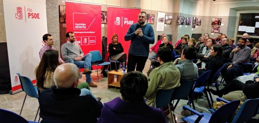 Barbón debate sobre las pensiones en Piloña