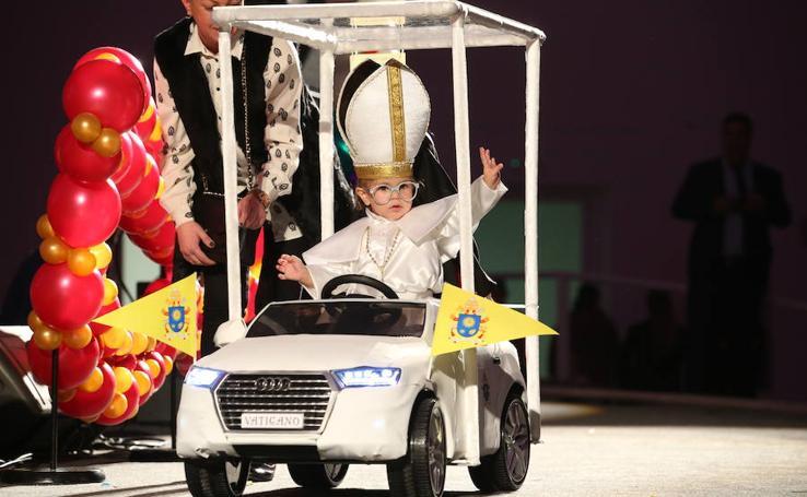 'Baby Dragón' gana el desfile infantil del Antroxu en Oviedo