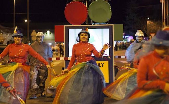 IV Concurso de Charangas y desfile de Antroxu en Villaviciosa