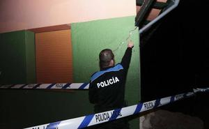 Desalojada una familia en Tazones al ceder el terreno de su casa
