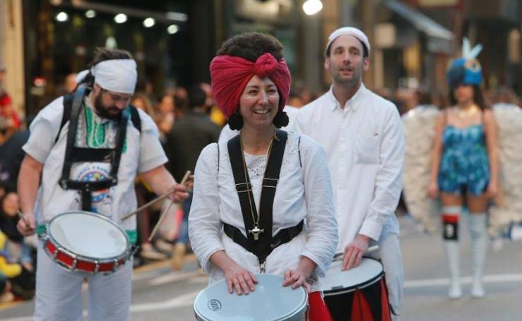¿Estuviste en el desfile de Antroxu de Oviedo? ¡Búscate! (1)