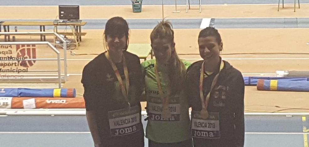 Beatriz Álvarez y Estela García se cuelgan la plata en el nacional indoor