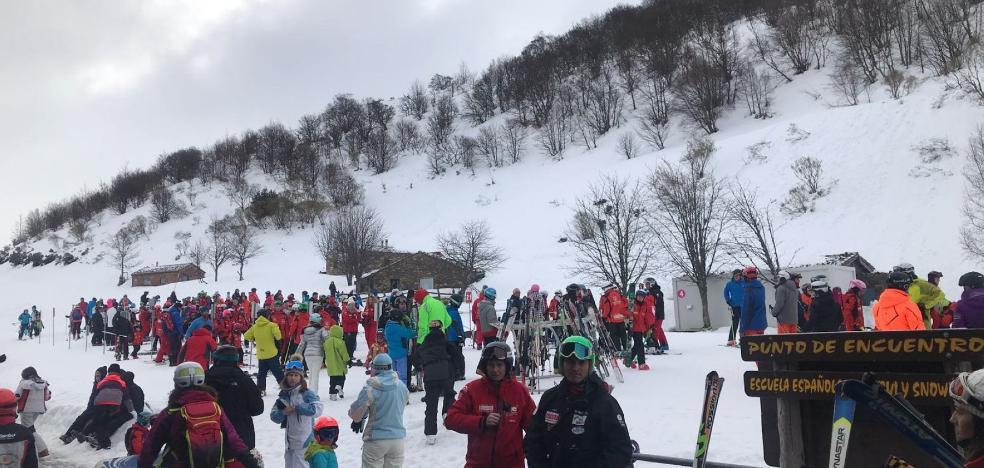 La mejoría del tiempo llena las estaciones de esquí