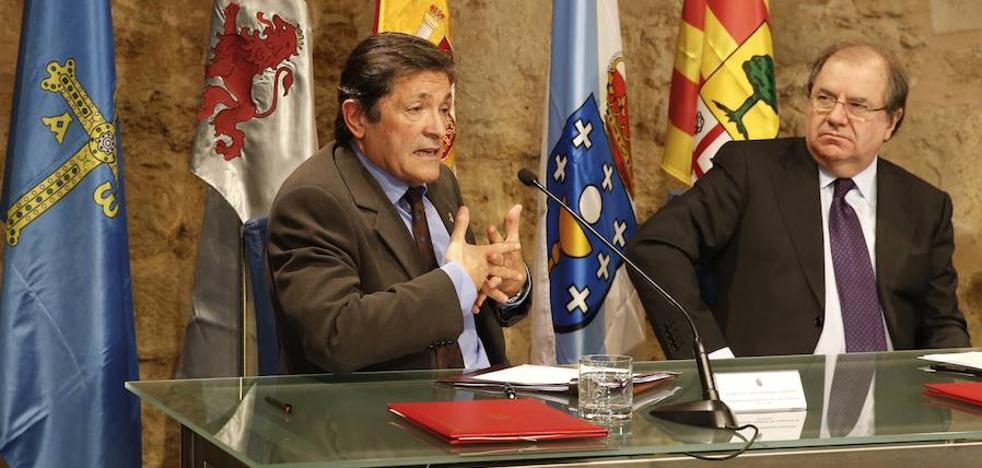 Javier Fernández no acudirá al homenaje a Manuel Llaneza: «No voy a ir donde no se me estima o aprecia»