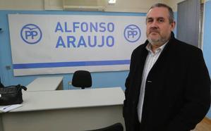Araujo mantiene que De Rueda está censado en una oficina de Avilés para el congreso del PP