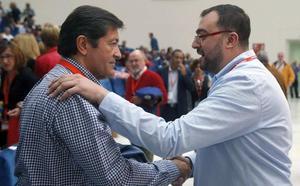 Barbón pide a los socialistas «redoblar esfuerzos» para «construir un partido unido y plural»