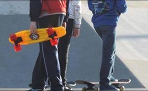 Indemnizan a un 'skater' que sufrió una caída por una alcantarilla defectuosa