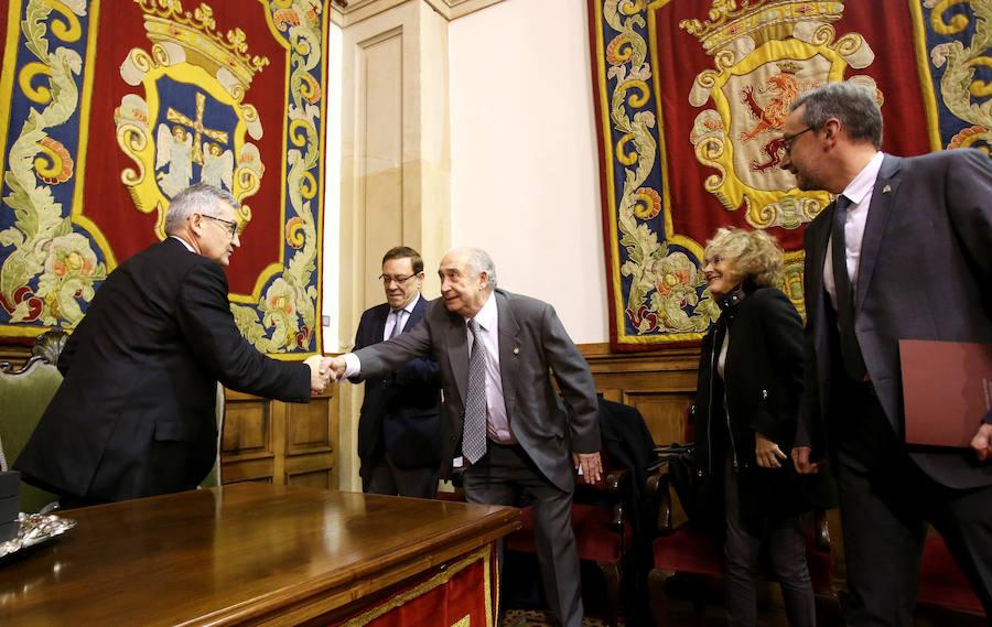 Toma de posesión de catedráticos y profesores titulares en la Universidad de Oviedo