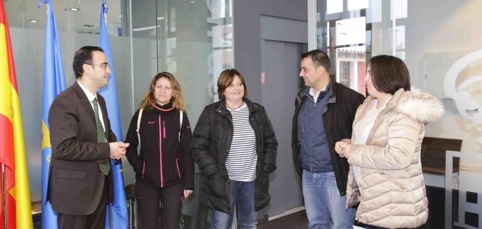 Ribadedeva se rebela y exige una solución a la falta de pediatra