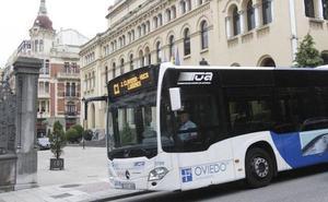 El PP de Oviedo pide que los autobuses permitan bajarse del vehículo a las mujeres por la noche donde quieran