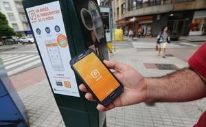 La aplicación de móvil de la zona azul de Avilés seguirá sin recargo
